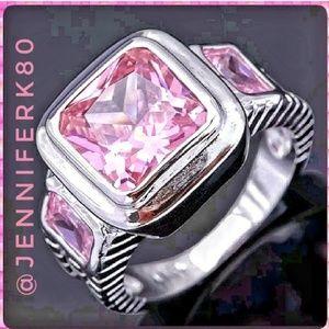 Brand new! WG Sapphire Ring